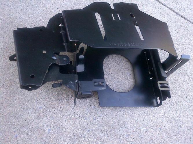 03-11 MERCEDES R230 SL65 SL55 IN TRUNK LEFT CONTROL MODULE BRACKET A2305453240