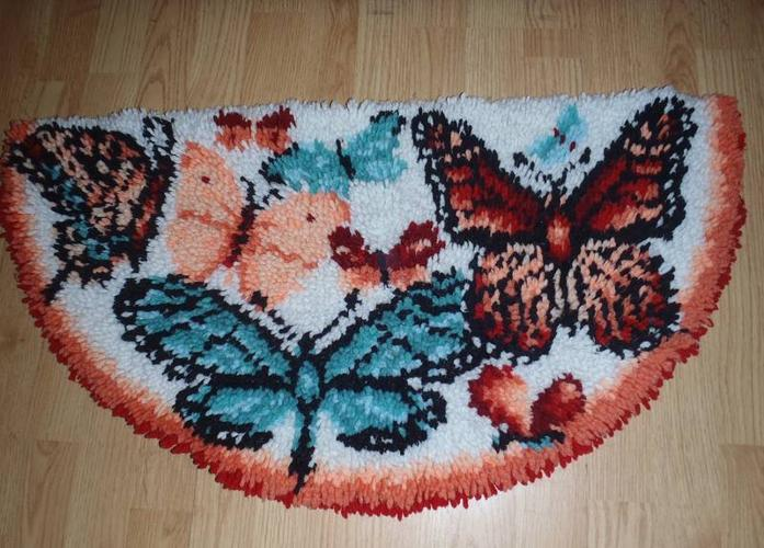 1/2 moon butterfly rug