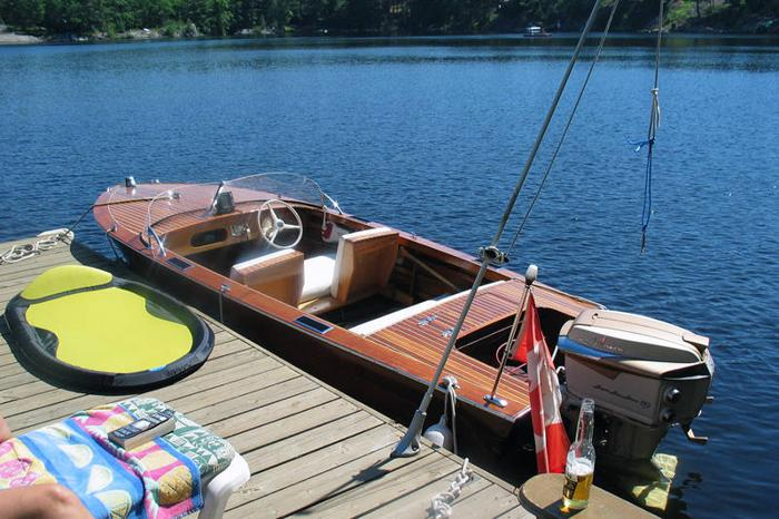 1958 -16' Wooden Runabout with 1958 Johnson Super Sea Horse 50hp