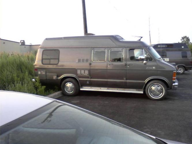 1987 dodge ram b250 campervan for sale in St Catharines