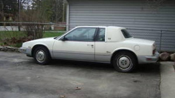 1988 buick riviera coupe silver anniversary edition for sale in north york ontario ads in ontraio