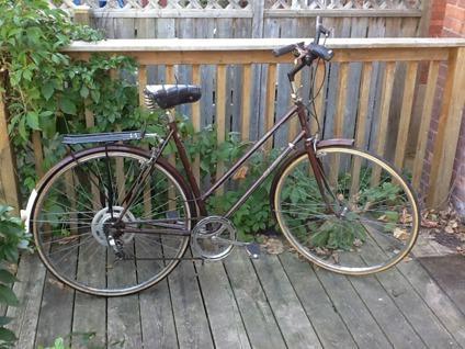 $200 OBO Retro ladies' hybrid bike