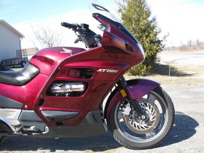 2001 Honda ST1100
