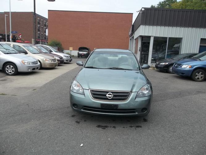 2003 Nissan Altima Sedan safety and E test