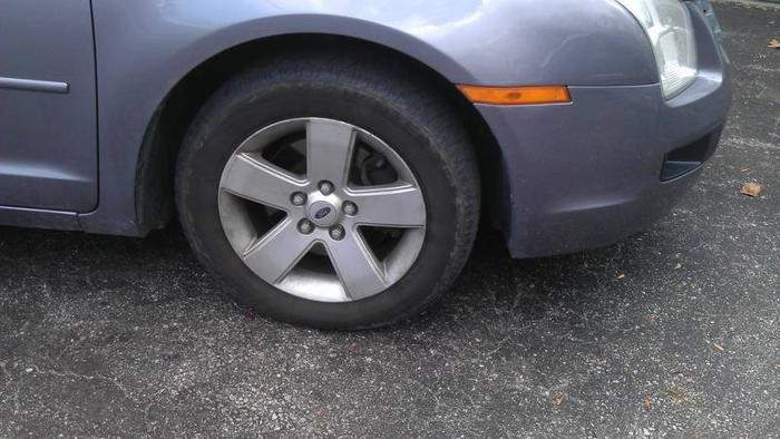 2006 Ford Fusion rims for sale.