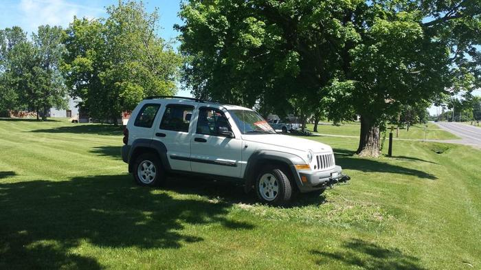 2006 Jeep Liberty with tow package ($3,000)
