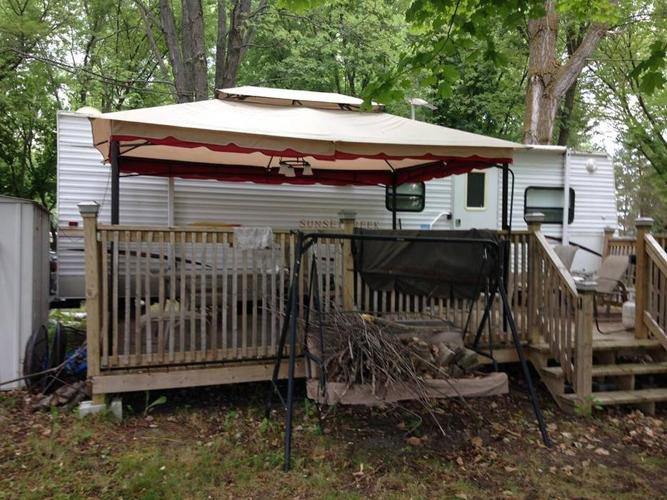 2006 sunny brook trailer 27 ft loaded