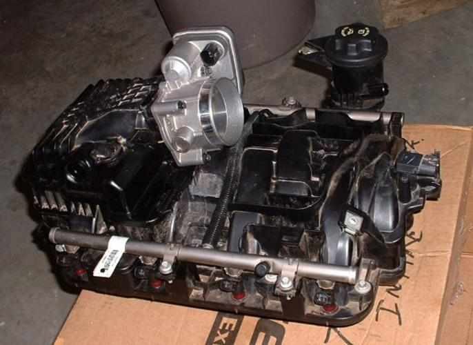 Dodge L Hemi Intake Manifold And Engine Accessories on Ram Hemi Throttle Body