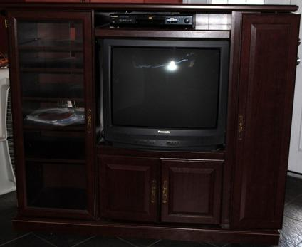 $25 OBO Entertainment Unit with tv included