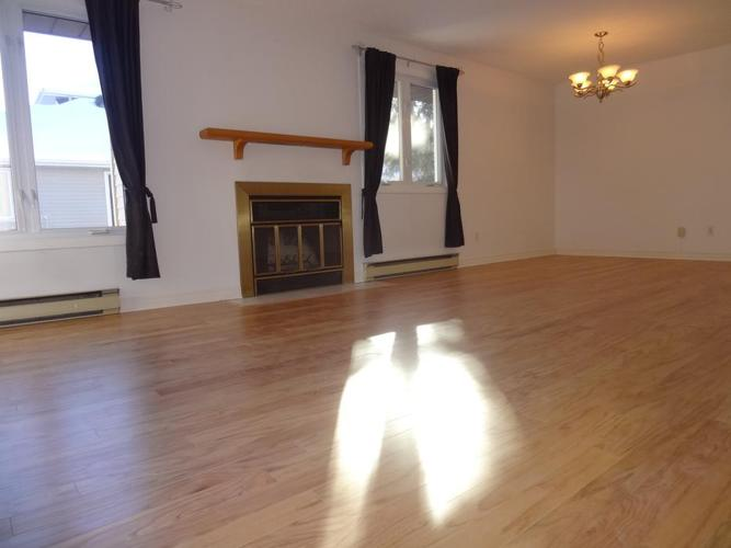 2BR/2BA w/ huge 350ft² hardwood livingroom near South Keys