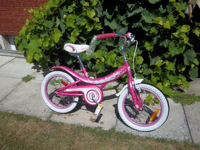 """""""Cream Soda"""" by Supercycle bicycle"""