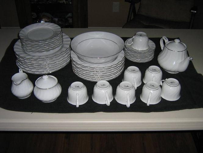 45 Piece Set Of Dishes Lynns Fine China