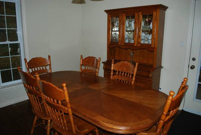 8 pc oak dining room set for sale in cornwall ontario ads in ontraio - Oak dining room sets for sale ...