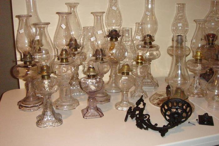antique coal oil lamps for sale in owen sound ontario ads in. Black Bedroom Furniture Sets. Home Design Ideas
