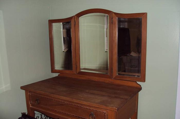 Antique Dresser Small Makeup Vanity For Sale In