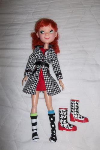"""Beautiful articulate doll with full outfit.13"""""""