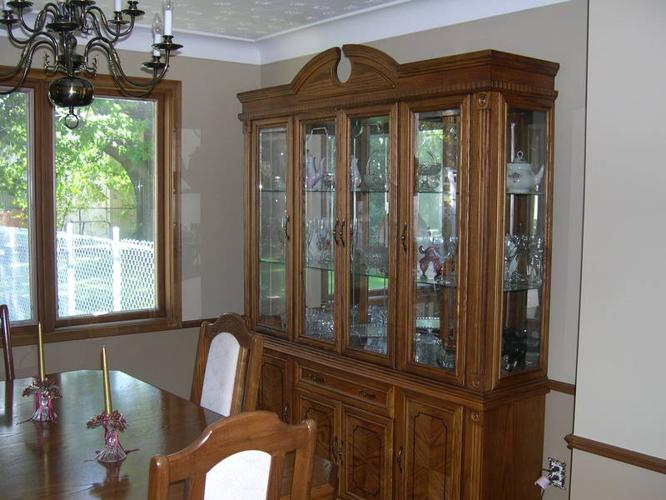 Beautiful Dining set and buffet and hutch MUST SELL THIS WEEK