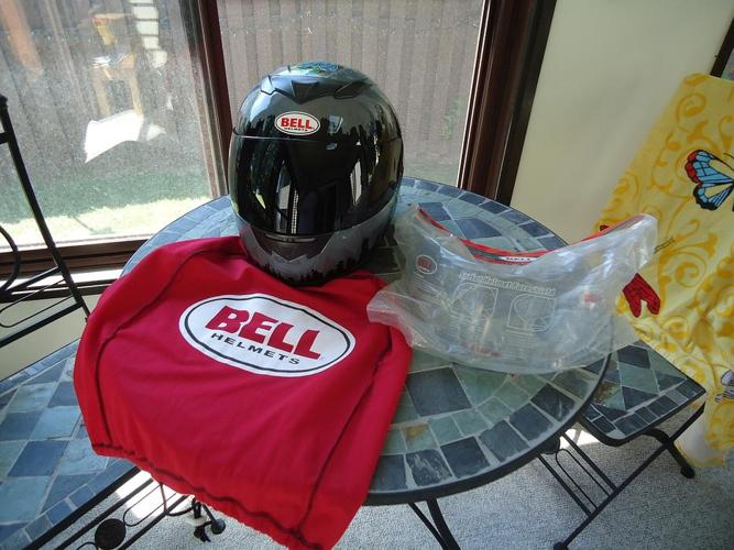 Bell Apex Helmet with New Tint & Clear Visors