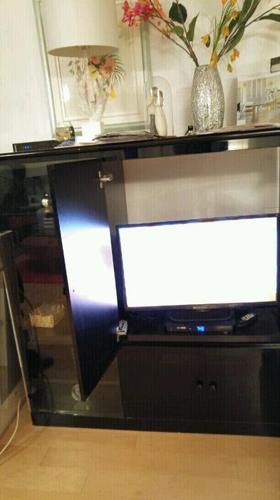 Black lacquer entertainment unit