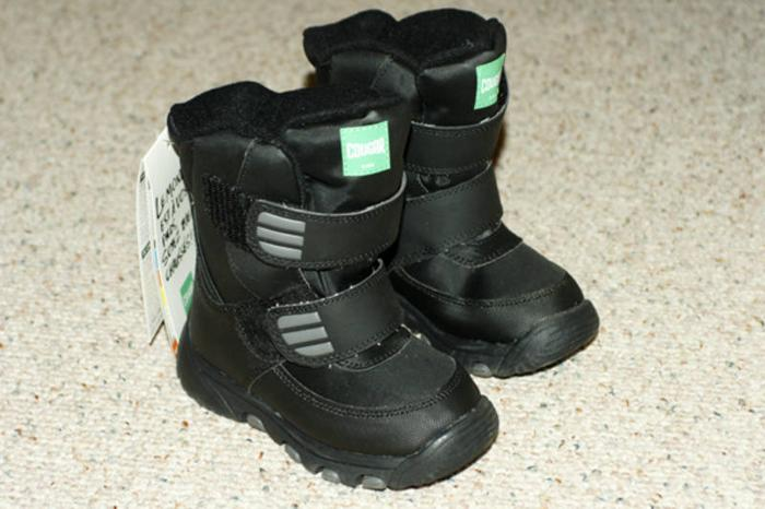 Boys size 10 winter boots - Never been worn