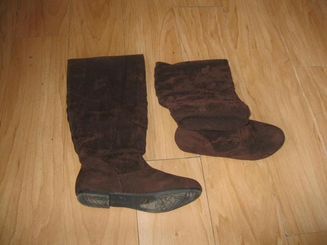 Brand New - ACO Brown Boots - size 8