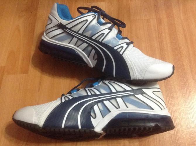 BRAND NEW size 9 us Puma men's running shoe
