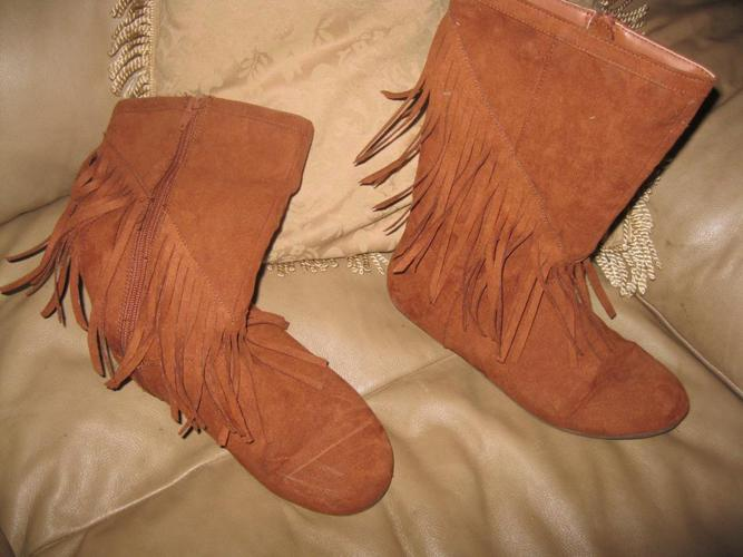 Brown Dress Boots - size 5