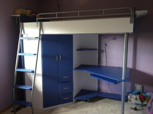 BUNK BED FOR SALE !