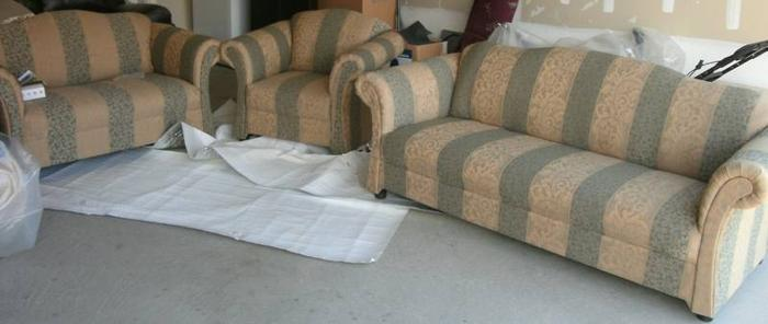CANADIAN MADE SOFA SET for sale in Brampton Ontario Ads  : canadian made sofa set2938443 from brampton.adsinontario.com size 700 x 296 jpeg 129kB