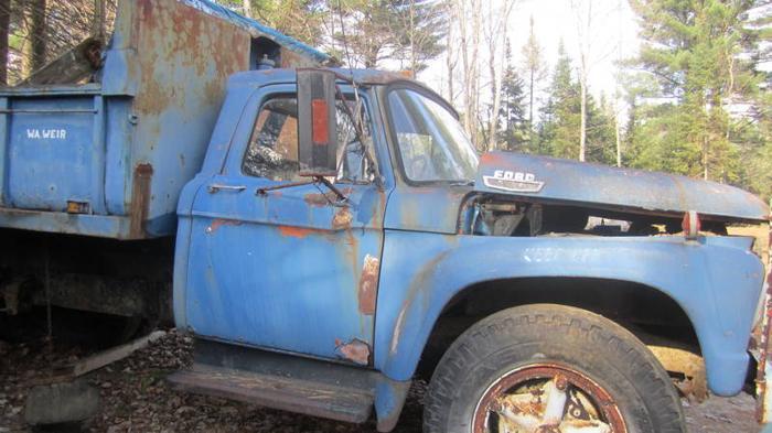 Classic dump truck