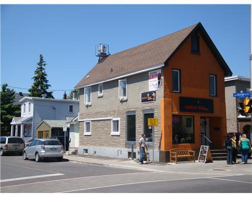 Commercial unit for lease right across from Preston Square