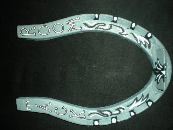 custom painted horseshoes