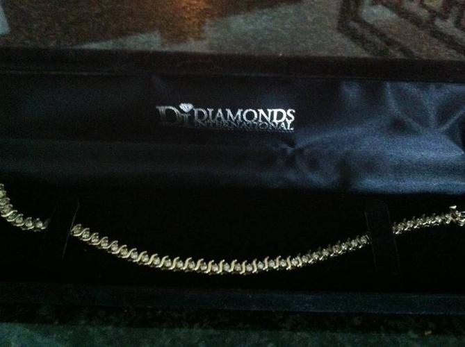 Diamond Tennis Bracelet 14kt Gold with 49 Diamonds ( 2.12 ct.)