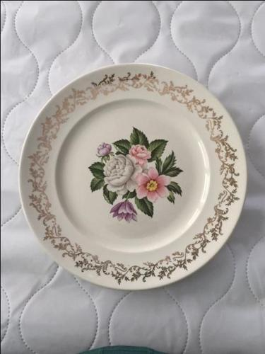 Early mid-century (1940s) British Empire Ware Bouquet plate
