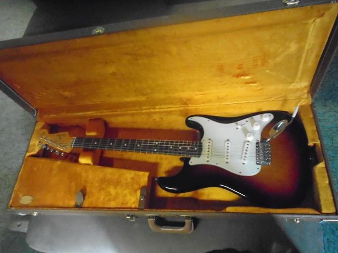 Fender 62 AVRI  Strastocaster
