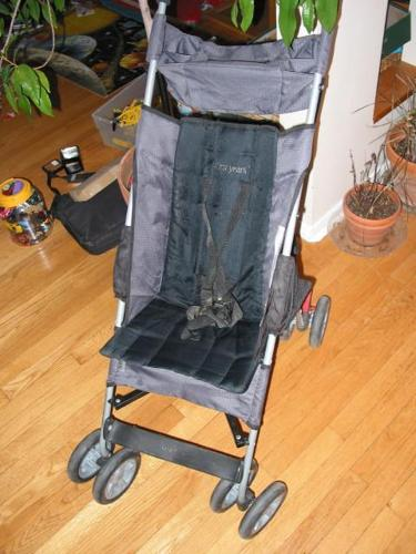 First Years Super light but comfortable Stroller