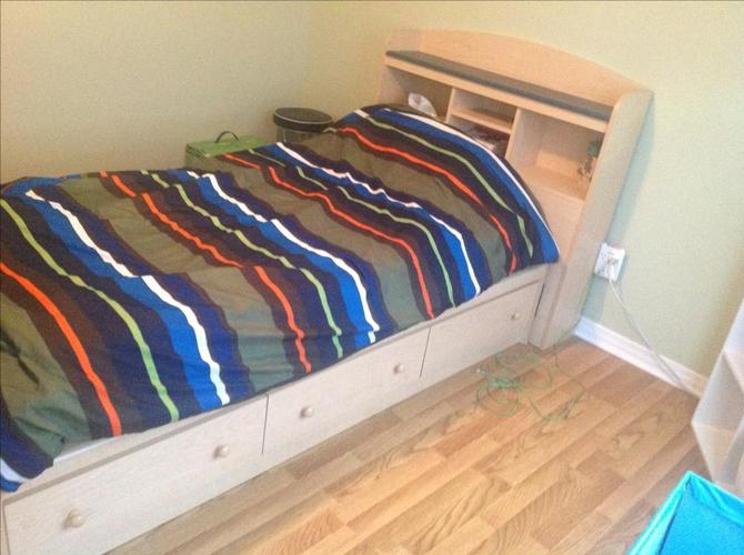 FREE: Capitain bed