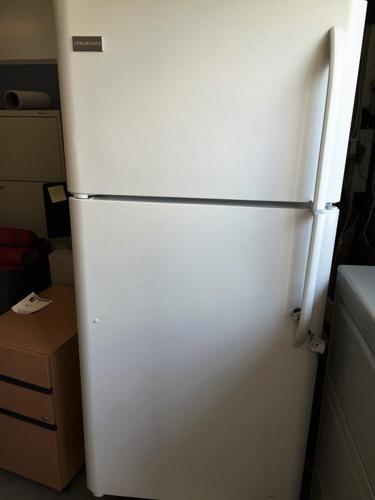 Frigidaire Refrigerator / Freezer. All glass shelves. Used for 4 months