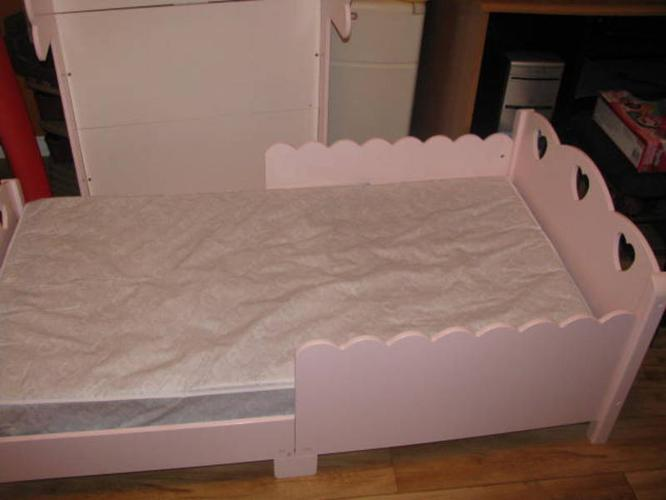Girls Toddler Bed For Sale In Barrie Ontario