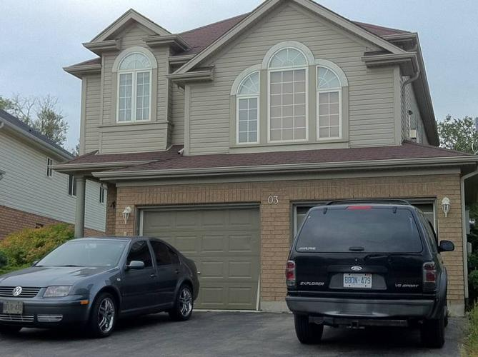 GUELPH 2500 SQ/FT-FREE INTERNET FREE CABLE-2 ROOMS AVAIL.-POOLT.