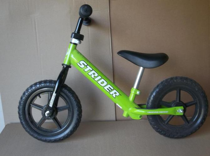 IN MINT CONDITION STRIDER 12 CLASSIC BALANCE BIKE
