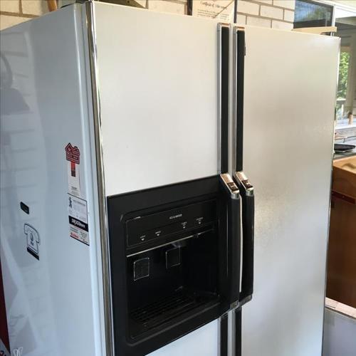 Kenmore fridge/ freezer