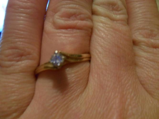 Ladies Beautiful Diamond Solitaire Engagement Ring