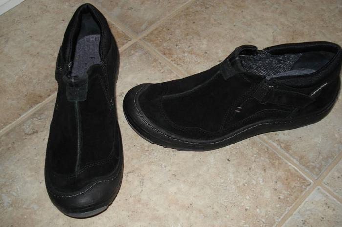 Ladies Size 9 - Leather Clarks / Privo (Waterproof!)