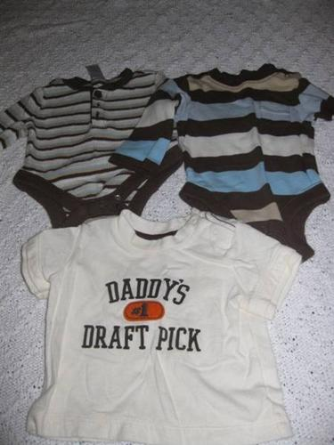 Large Lot of Baby Boys Clothes - 0-3 months