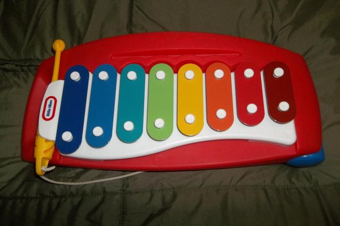 Little Tikes Tap-a-Tune Xylophone in mint condition!