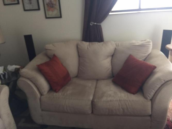 Living Room Set (Sofa, Loveseat, Ottoman)
