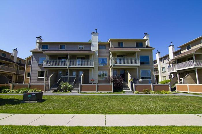 Maintenance-free living - 2 BDRM, 2 bath condo in Orleans