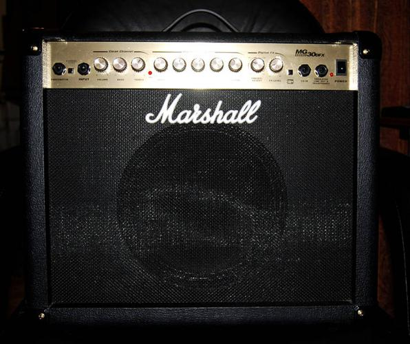 Marshal MG30 solidstate amp digitial fx 1x10