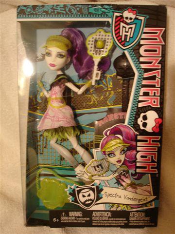 Monster High Ghoul Sports SPECTRA VONDERGEIST Doll BRAND NEW